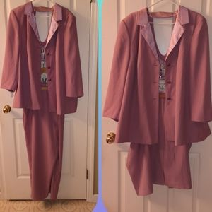 Rose Pink 3 Piece Suit 28W NEW